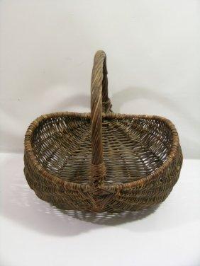 15: Mirror Mirror Snow White's Basket