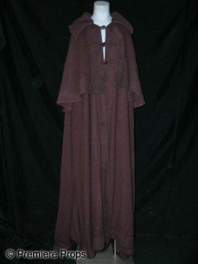 16: Mirror Mirror Snow White's (Lily Collins) Cloak