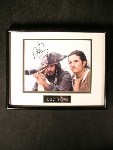 7: Pirates Of The Caribbean/Johnny Depp Signed Photo