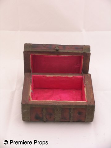 9C: Pirates of the Caribbean Wooden Chest Prop