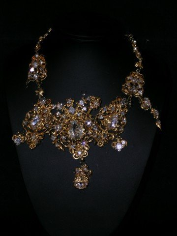 Three Musketeers Queen Anne (Juno Temple) Necklace