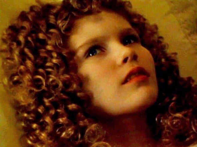 Interview With The Vampire Claudia Kirsten Dunst & - 2