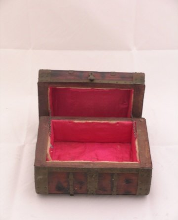 Pirates of the Caribbean Wooden Chest Prop