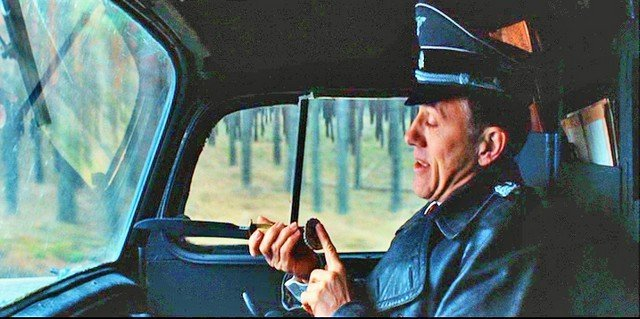 Inglourious Basterds Lt. Raine's (Brad Pitt) - 7