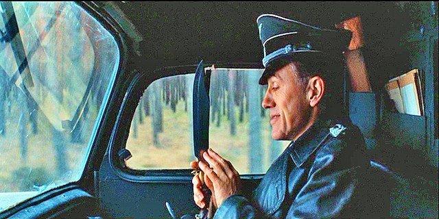 Inglourious Basterds Lt. Raine's (Brad Pitt) - 8