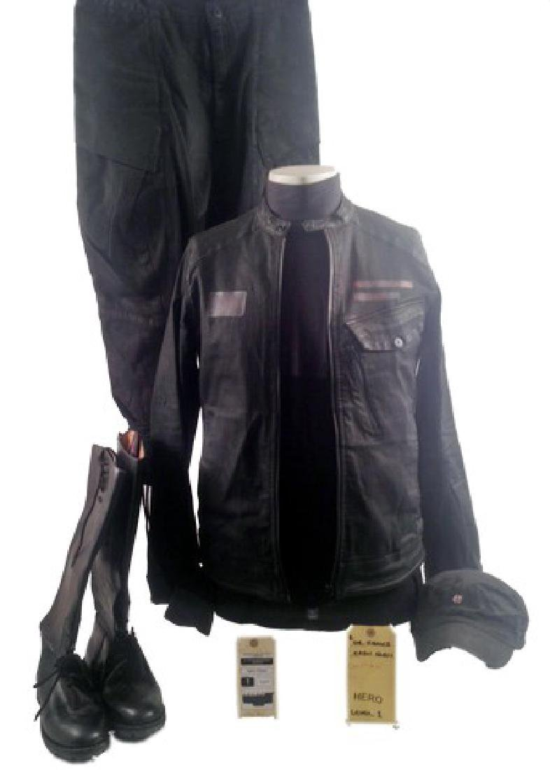 Resident Evil 6 Dr. Isaacs (Iain Glen) Movie Costumes
