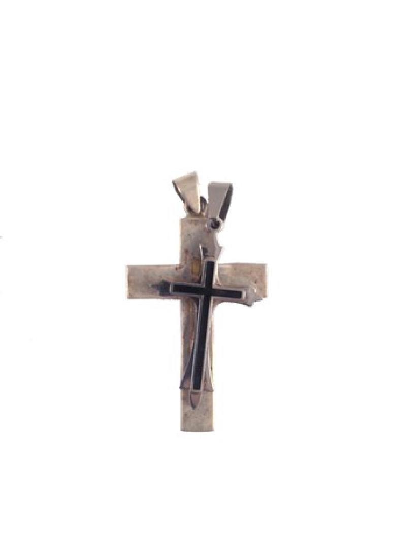 Resident Evil 6 Dr. Isaacs (Iain Glen) Cross Medallion