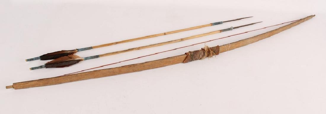 AFRICAN SHORT BOW AND ARROW SET