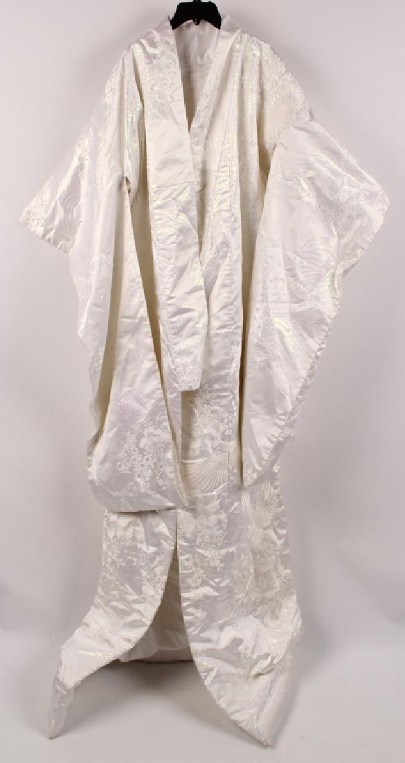 JAPANESE WHITE EMBROIDERY CRANE WEDDING KIMONO