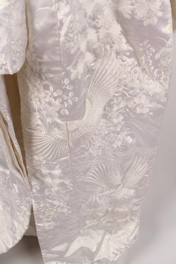 JAPANESE WHITE EMBROIDERY CRANE WEDDING KIMONO - 3