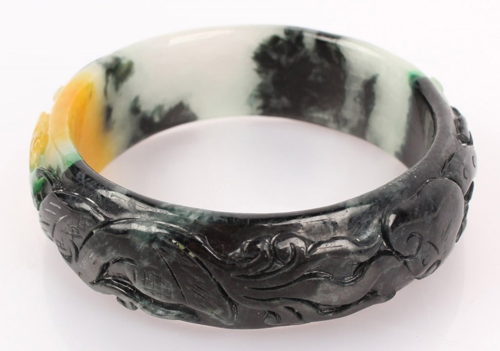 CARVED CHINESE BLACK & YELLOW JADE BANGLE BRACELET - 4