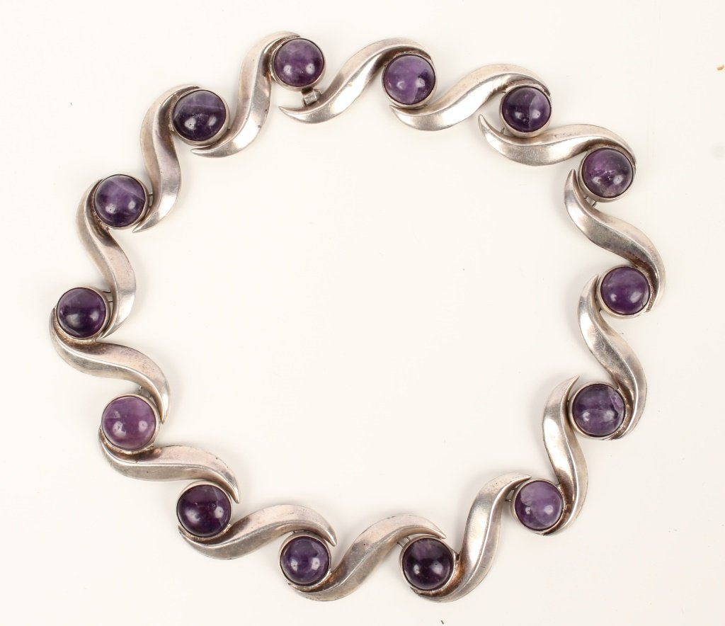 LADIES STERLING SILVER CABOCHON AMETHYST NECKLACE