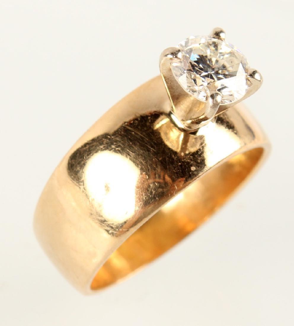 LADIES 14K YELLOW GOLD DIAMOND SOLITAIRE RING