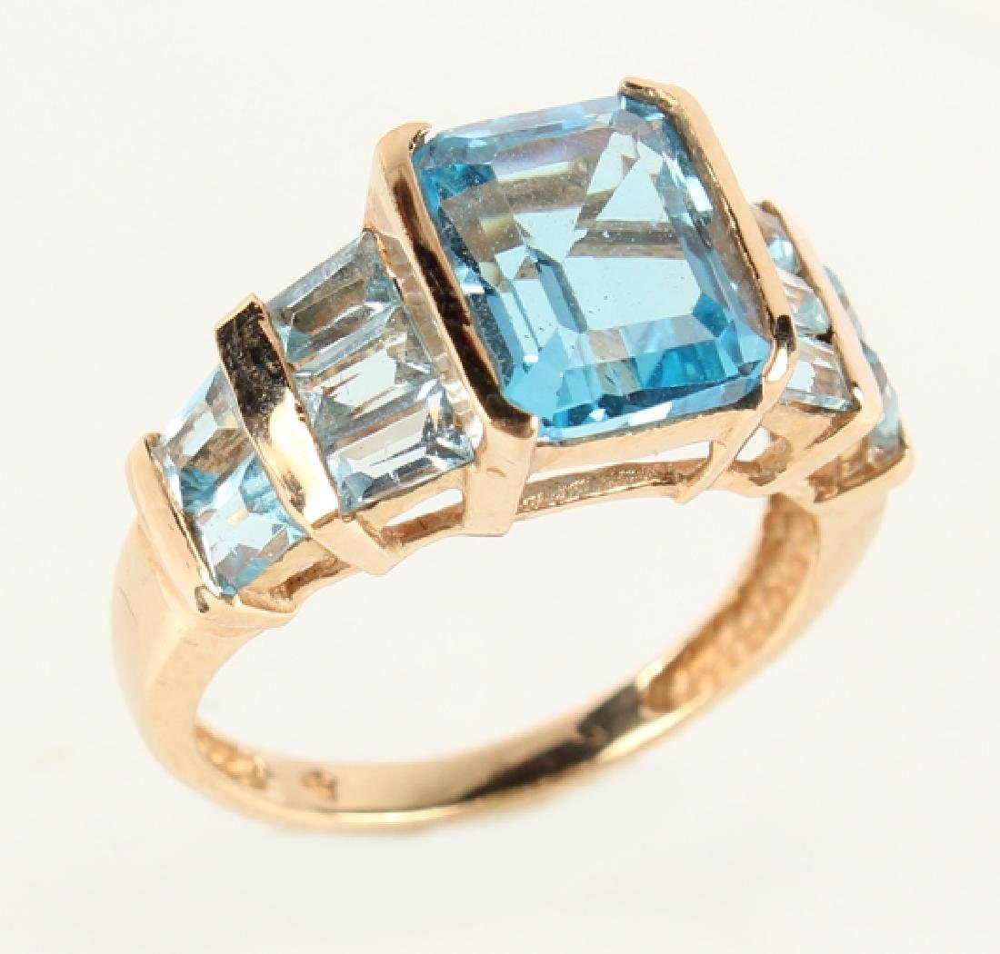 LADIES 10K YELLOW GOLD BLUE TOPAZ FASHION RING