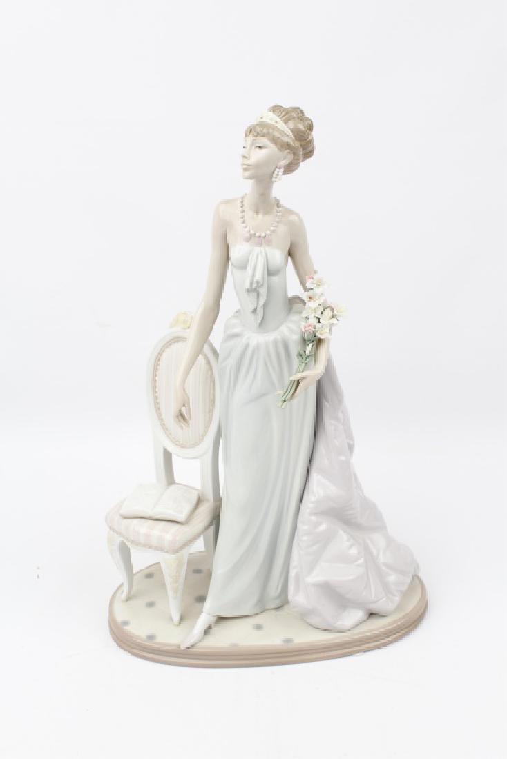 LLADRO PORCELAIN FIGURINE LADY OF TASTE #1495
