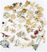 MIXED LADIES GOLD TONE BROOCHES - LOT OF 50