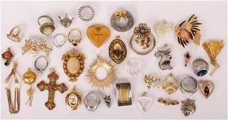 LADIES RINGS & BROOCHES JEWELRY LOT - 276 GRAMS