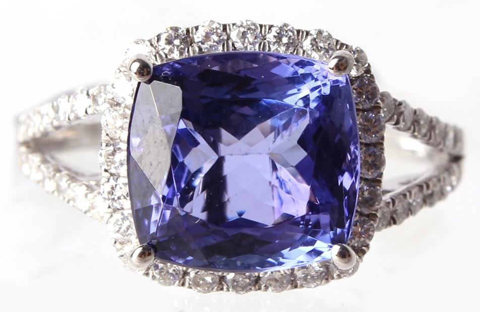 LADIES PLATINUM 4.44 CT TANZANITE & DIAMOND RING