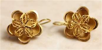 PAIR OF 14K GOLD FILIGREE FLOWER EARRINGS