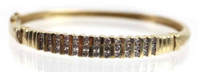 LADIES 14K GOLD DIAMOND BANGLE BRACELET