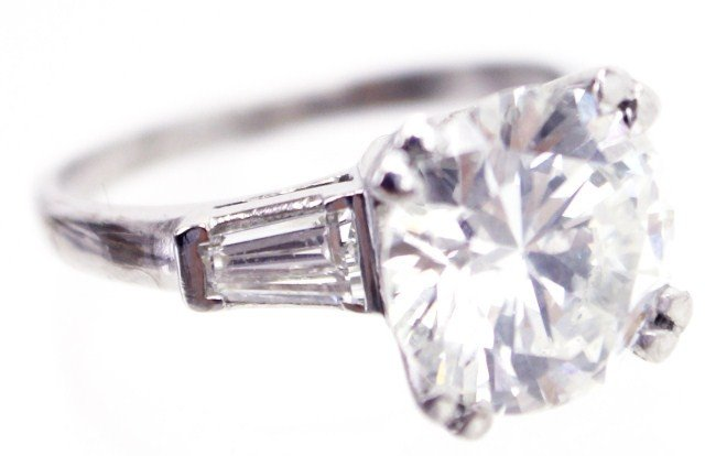 STUNNING LADIES PLATINUM 4 CT DIAMOND RING