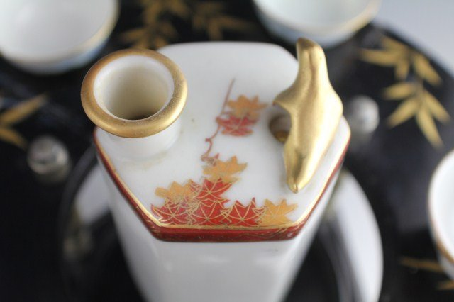 MUSICAL SAKE SET WITH WHISTLING CUPS - 7