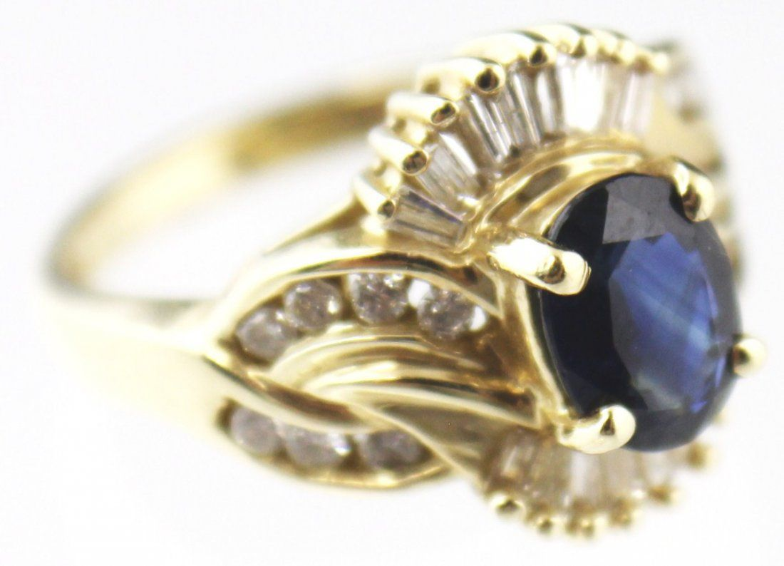 LADIES 14K GOLD SAPPHIRE & DIAMOND COCKTAIL RING