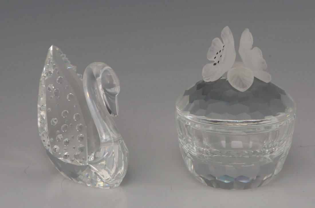 LOT OF TWO SWAROVSKI FIGURINES SWAN & TRINKET BOX
