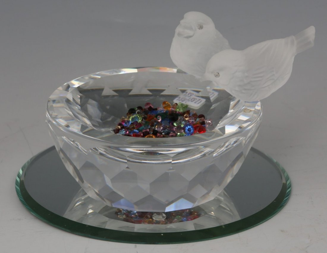 SWAROVSKI CRYSTAL FIGURINE BIRD BATH