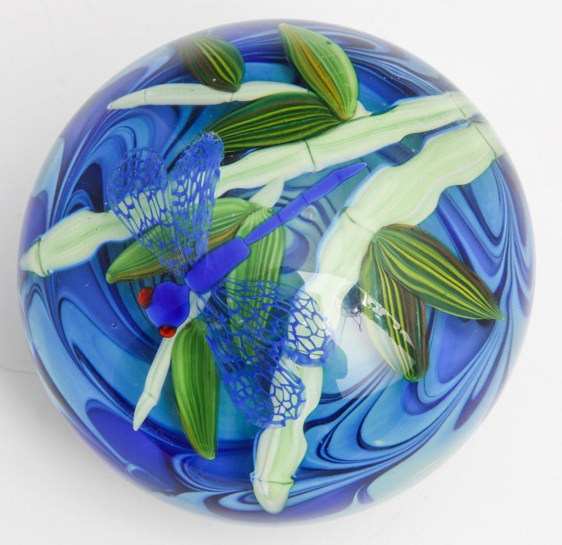 JUSTIN LUNDBERG ART GLASS PAPERWEIGHT - SIGNED - 2