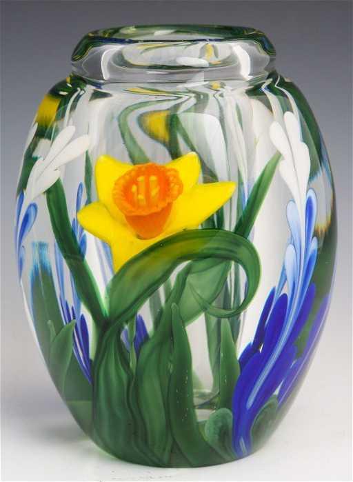 Steven Lundberg Art Glass Daffodil Vase Signed
