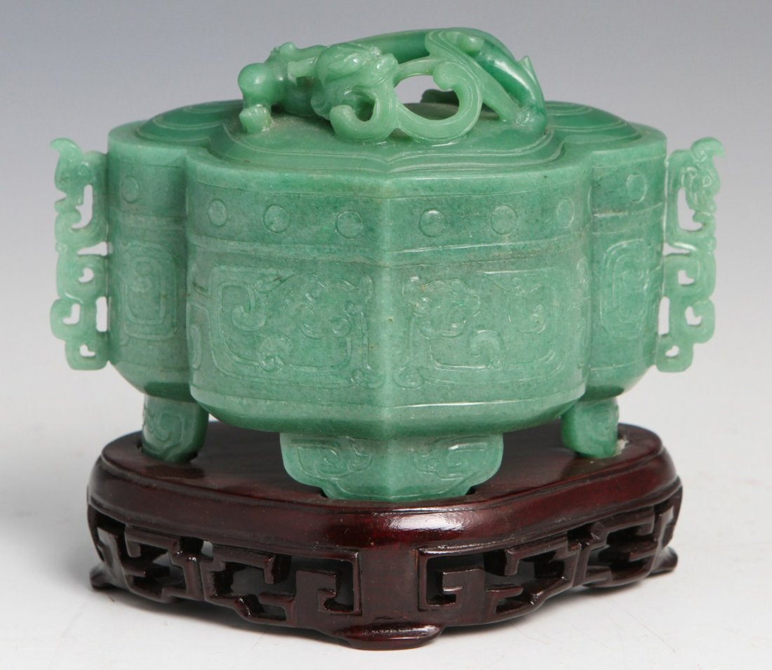 CHINESE APPLE JADE DRESSER BOX