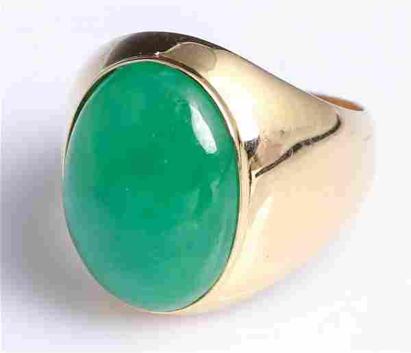 MEN'S 18K YELLOW GOLD APPLE GREEN JADE RING