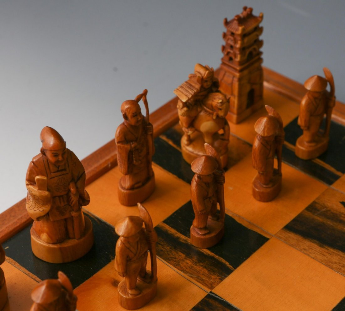 JAPANESE IVORY CHESS SET WITH CASE/BOARD - 4