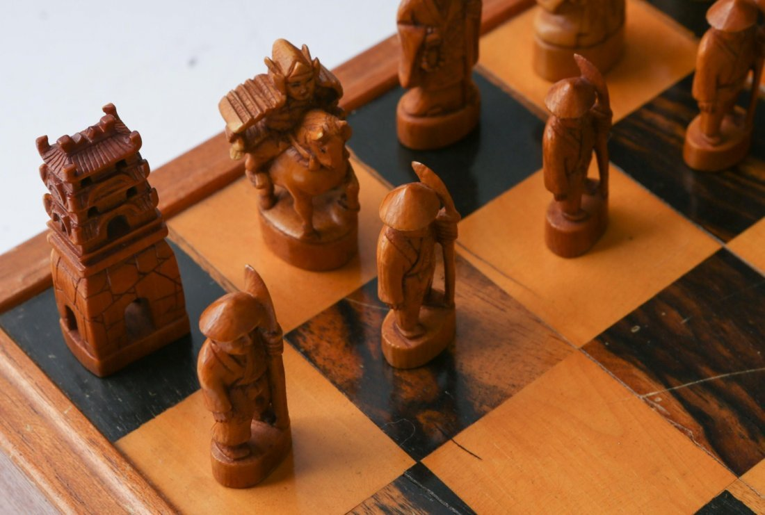 JAPANESE IVORY CHESS SET WITH CASE/BOARD - 5