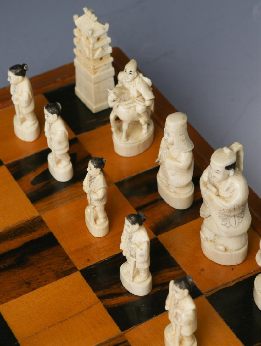 JAPANESE IVORY CHESS SET WITH CASE/BOARD - 7