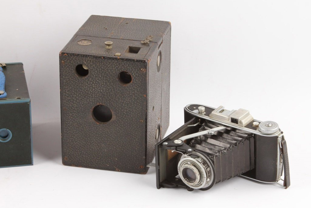 5 EARLY 20TH CENTURY CAMERAS - 2