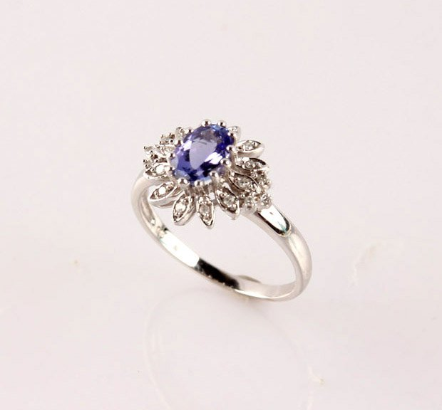 LADIES 14K WHITE GOLD TANZANITE & DIAMOND RING - 2