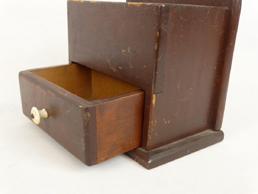 19th c. Wallbox - 4
