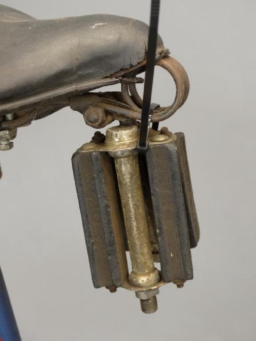 1940 Girl's Schwinn Bicycle - 10