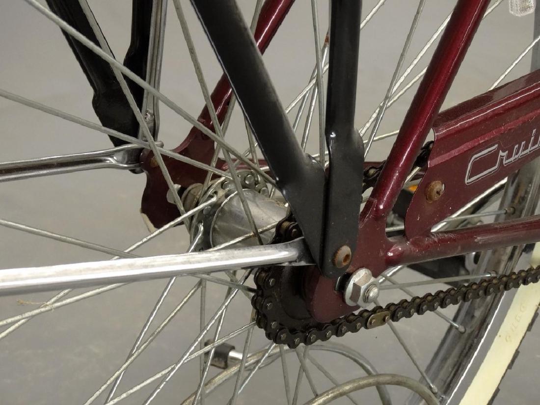 Schwinn Cruiser Deluxe Balloon Tire Bicycle - 9