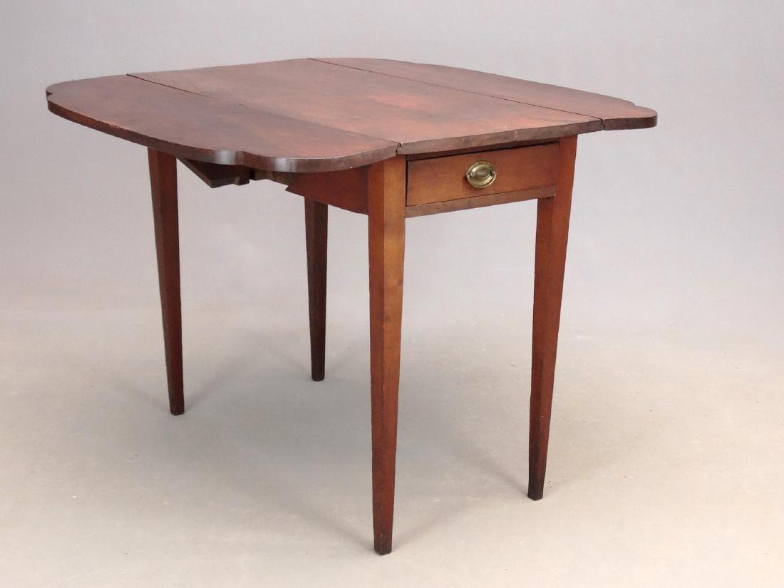 19th c. Pembroke Table - 2