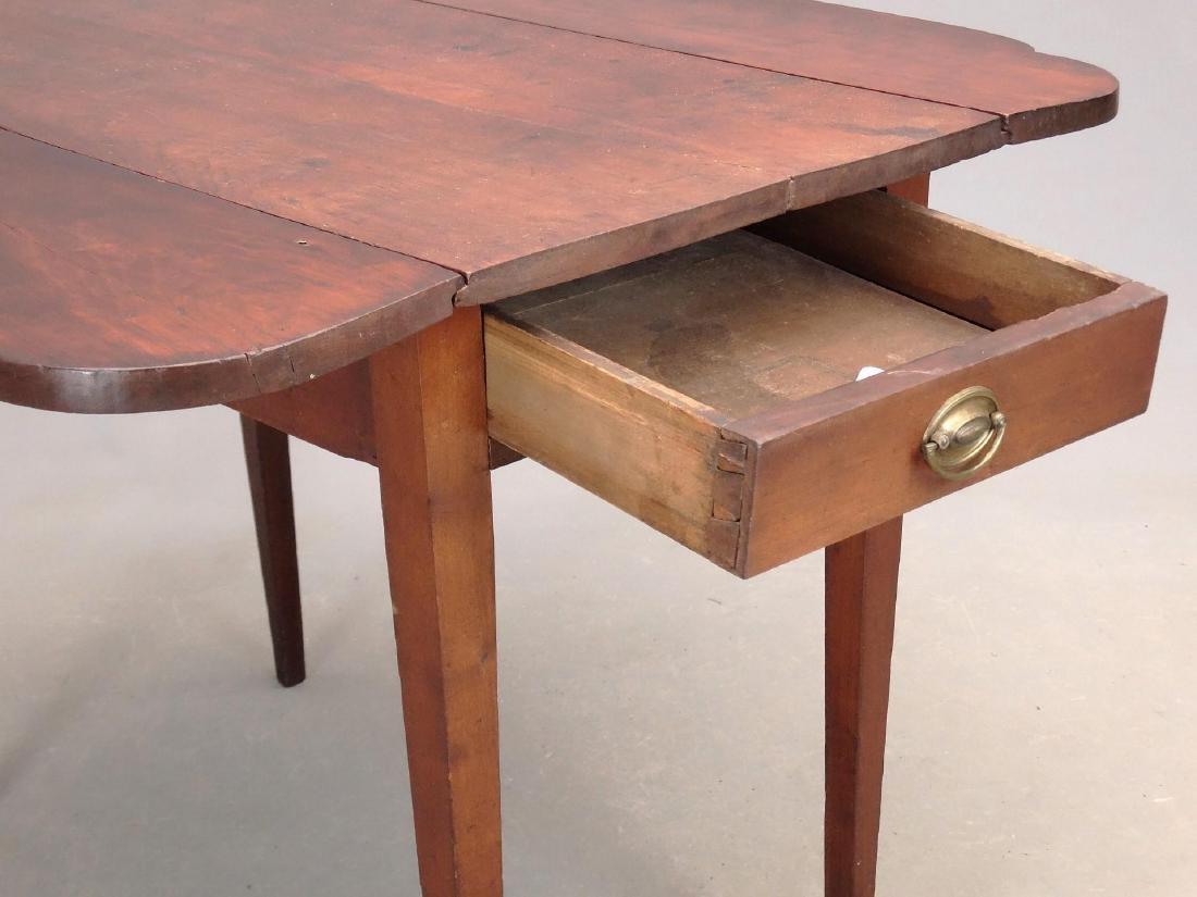 19th c. Pembroke Table - 4