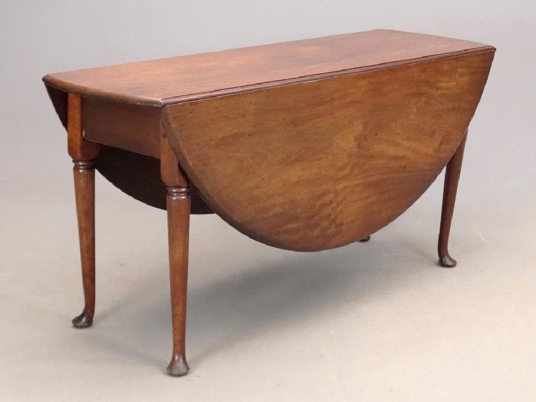 18th c. Queen Anne Dropleaf Table