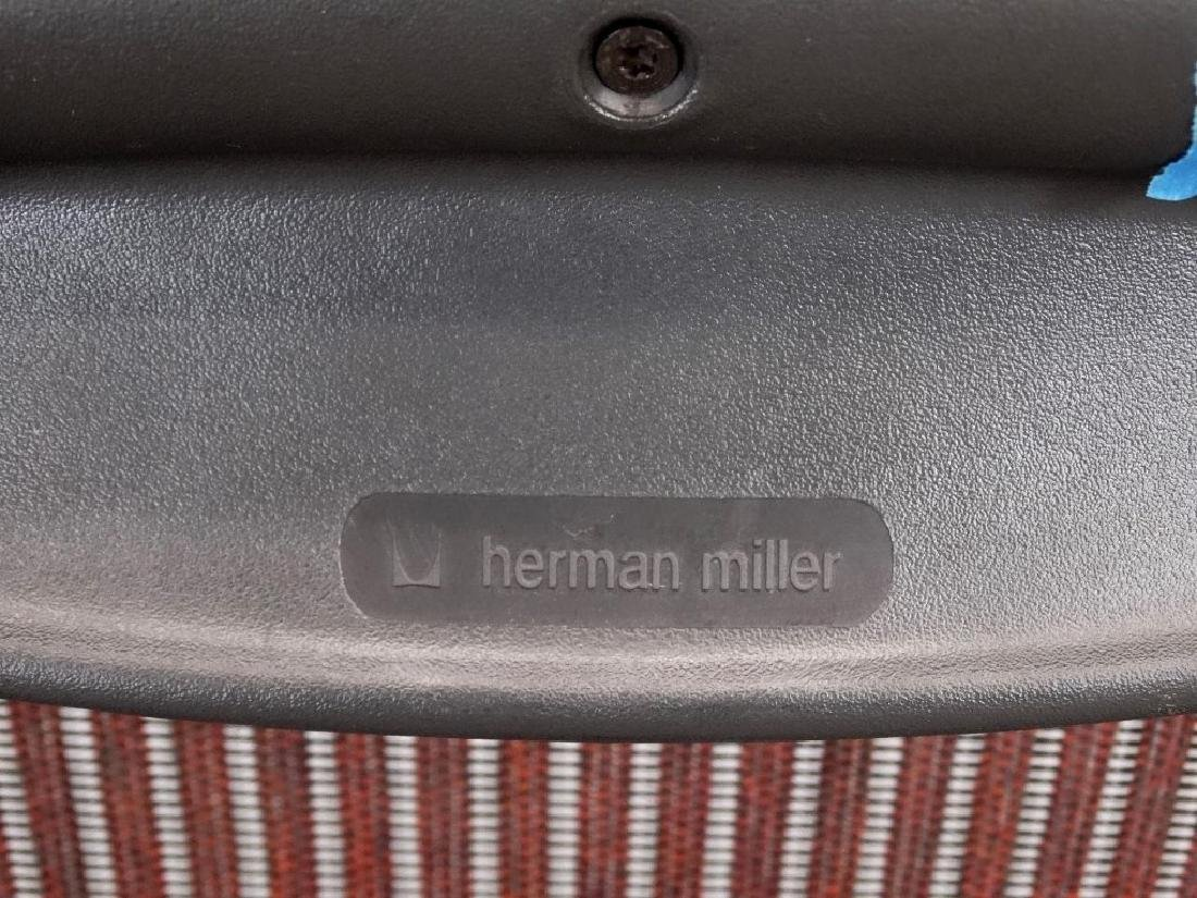 Herman Miller Aeron Chair - 4