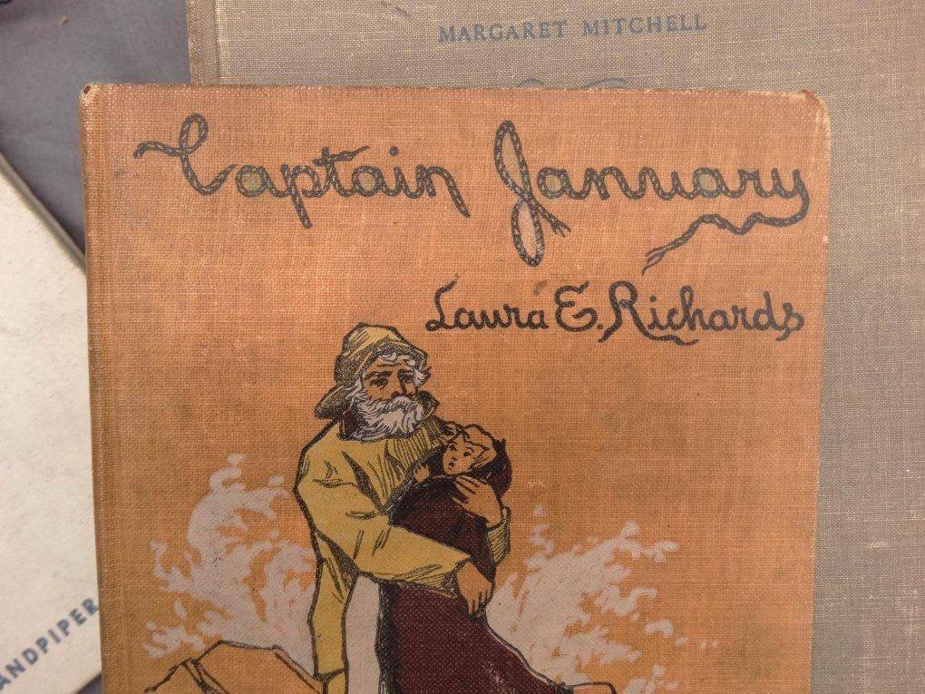 Vintage Books - 7