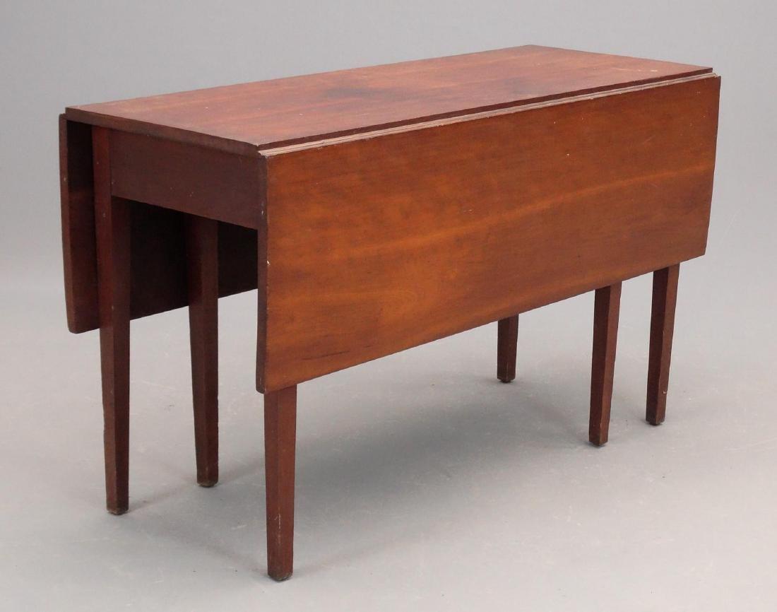 19th c. Hepplewhite Dropleaf Table