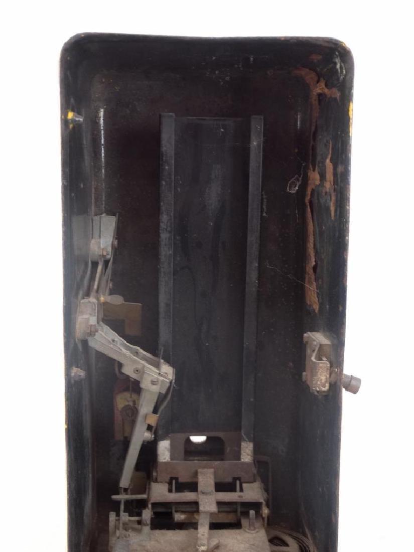 Vintage Chewing Gum Dispenser - 7