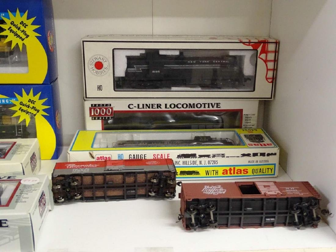 HO Scale Model Train Lot - 3