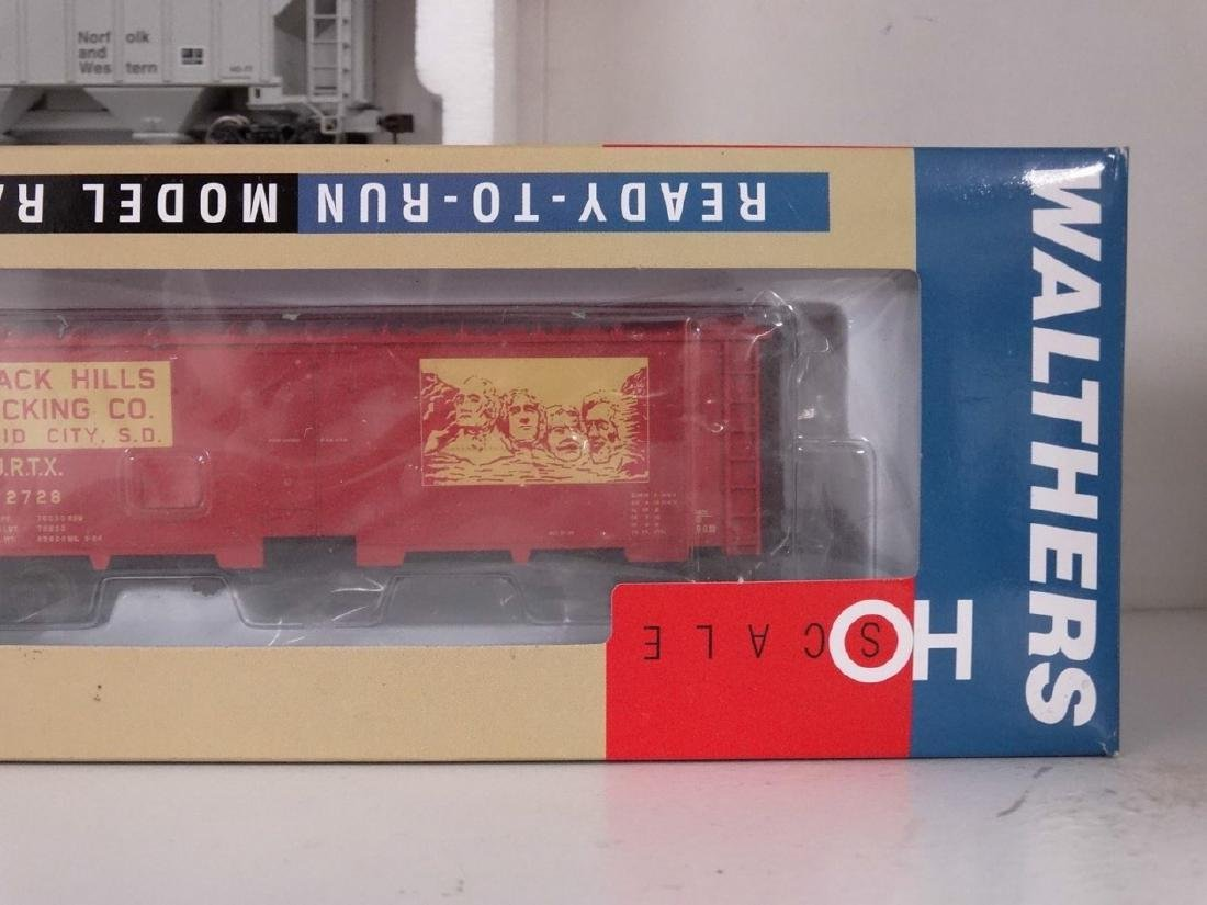 HO Scale Model Train Lot - 6